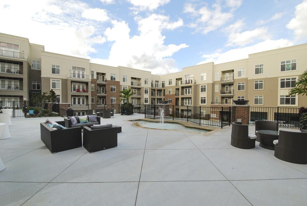Domain At City Center Apartments Lenexa