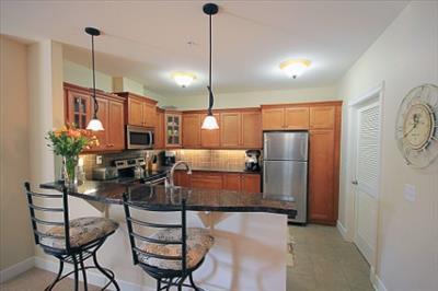 Glenmore and Summit: 773 Glenmore Road, 1BR