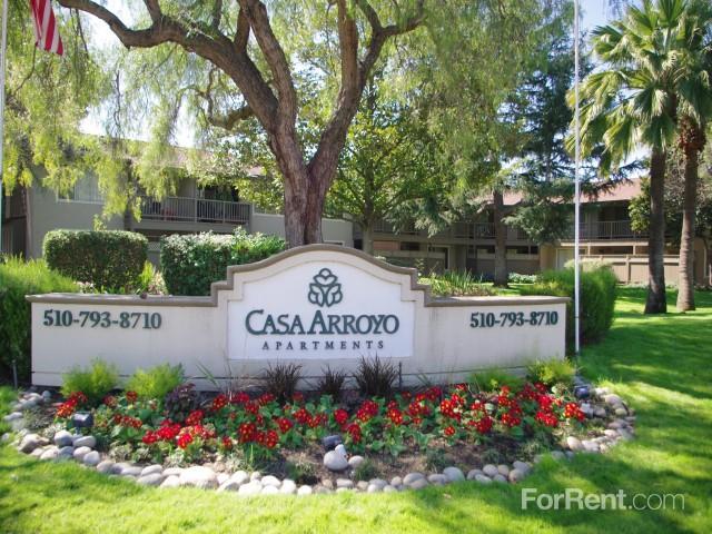 Casa Arroyo Apartments photo #1