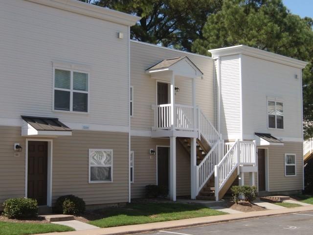 Dundale Square Apartments & Townhomes photo #1