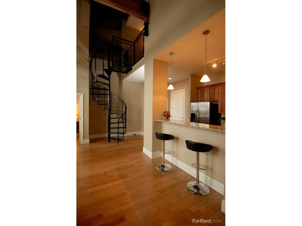 Junction shop lofts apartments worcester ma walk score for Shop with loft apartment