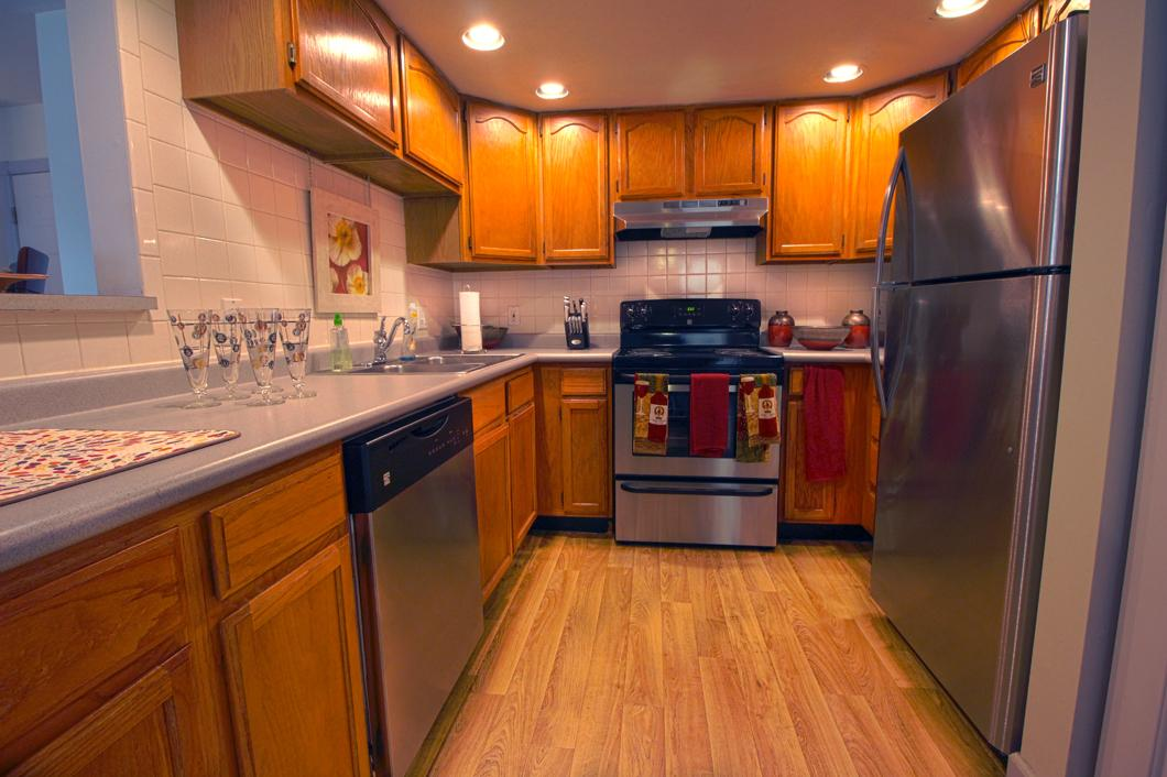 This high-end community features large units with central air. photo #1