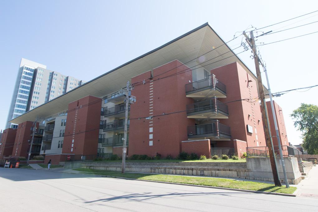 Champaign - 4bd/Three BA 968sqft Apartment for rent Apartments photo #1