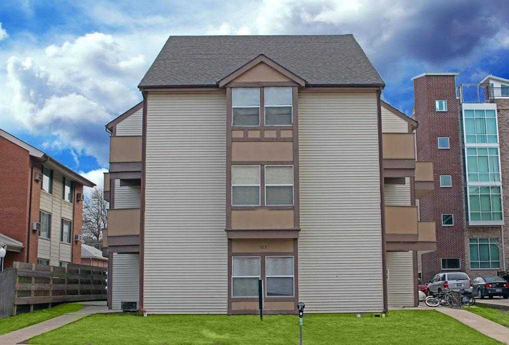Apartment for rent in Champaign. Covered parking! Apartments photo #1
