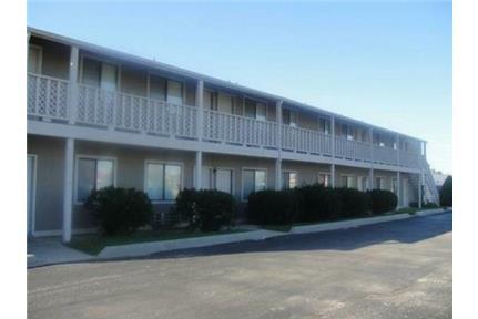 1 Bedroom 1 Bath Apartment NW Wichita