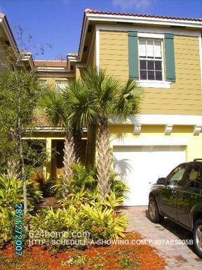 784 Pipers Cay Dr photo #1