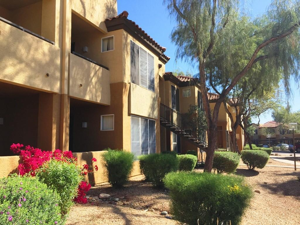 The Retreat Apartments photo #1