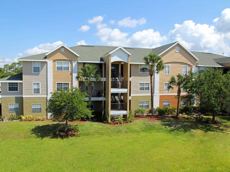 Somerset Palms Apartments photo #1