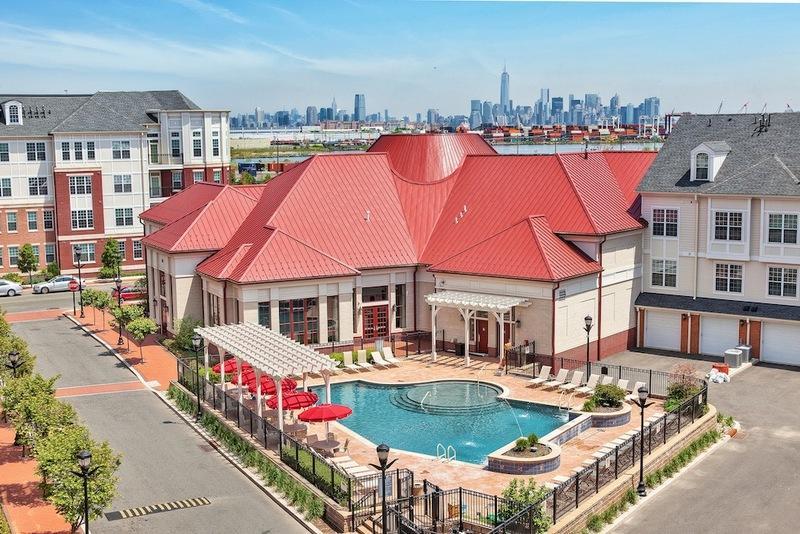 Alexan CityView Apartments photo #1