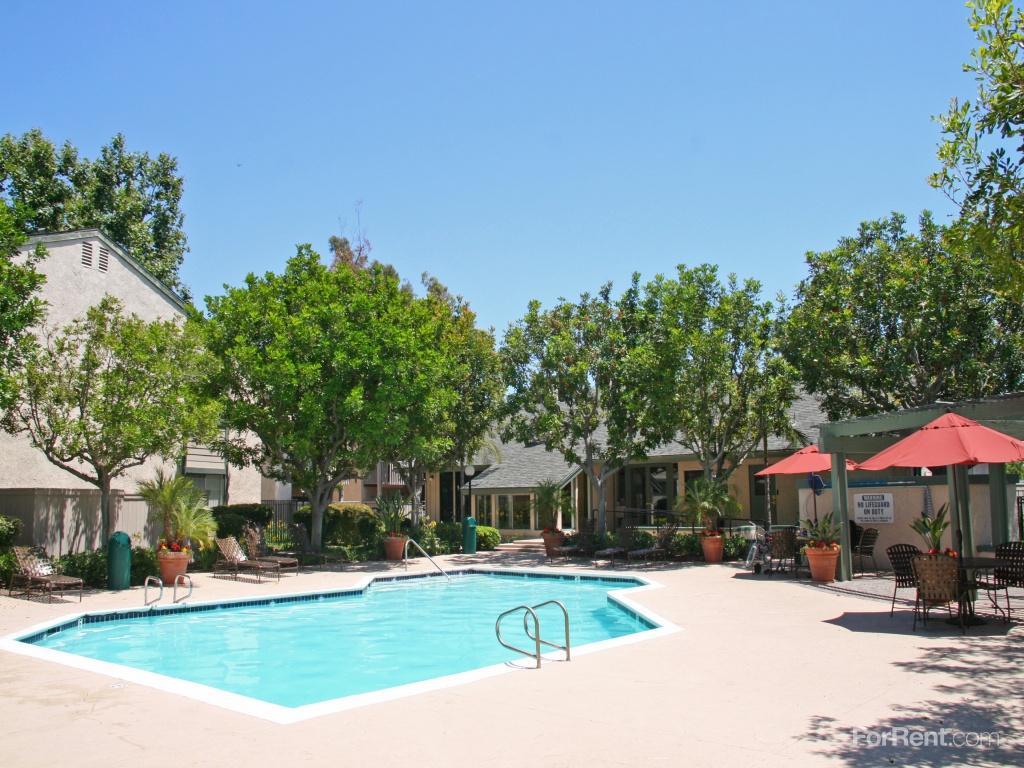 Parkewood Village Apartments photo #1
