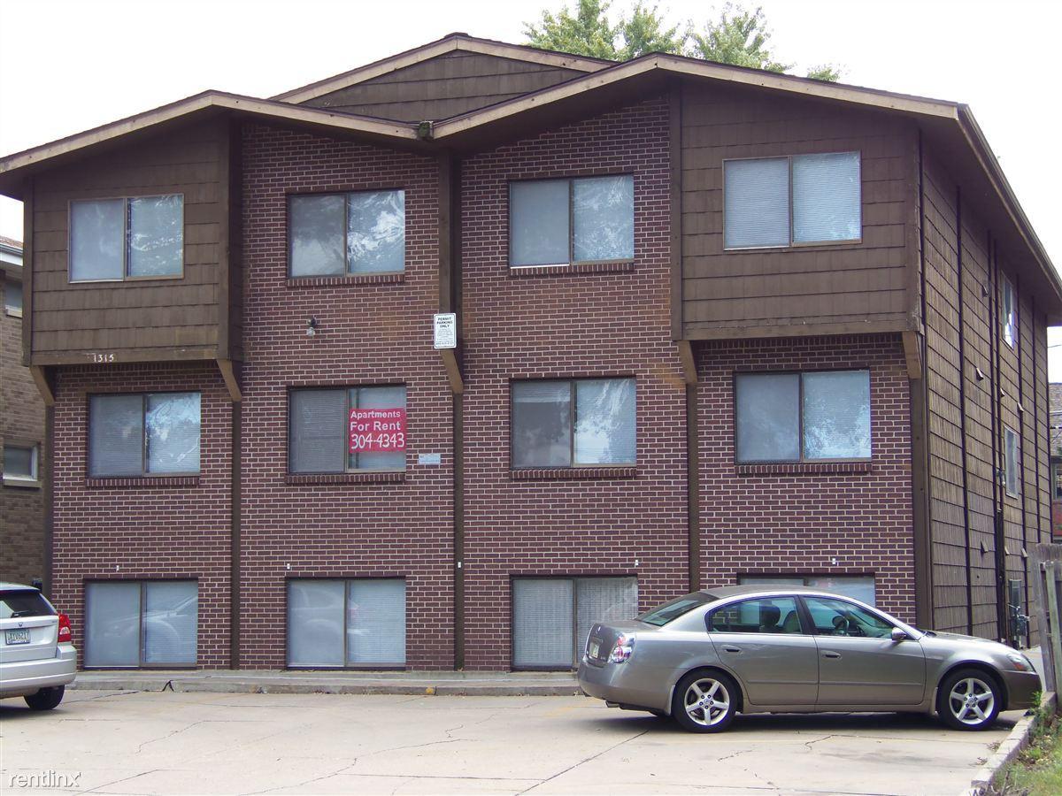 1315 D St Apartments photo #1