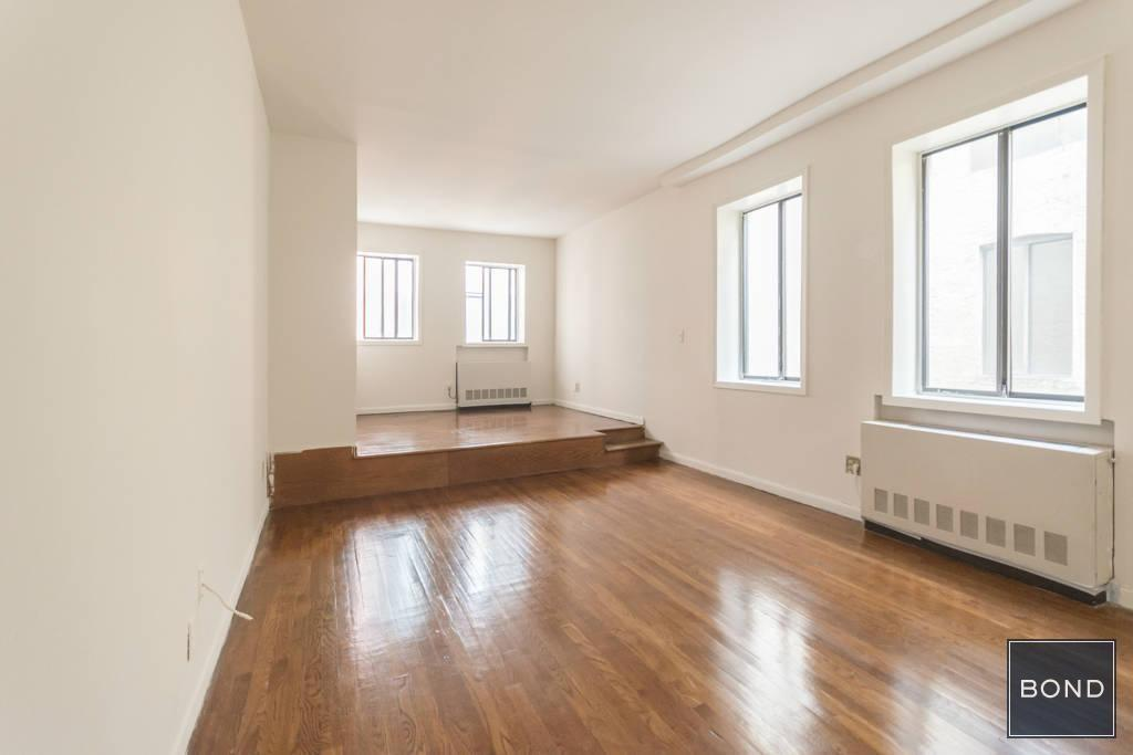 Apartment in Murray Hill photo #1