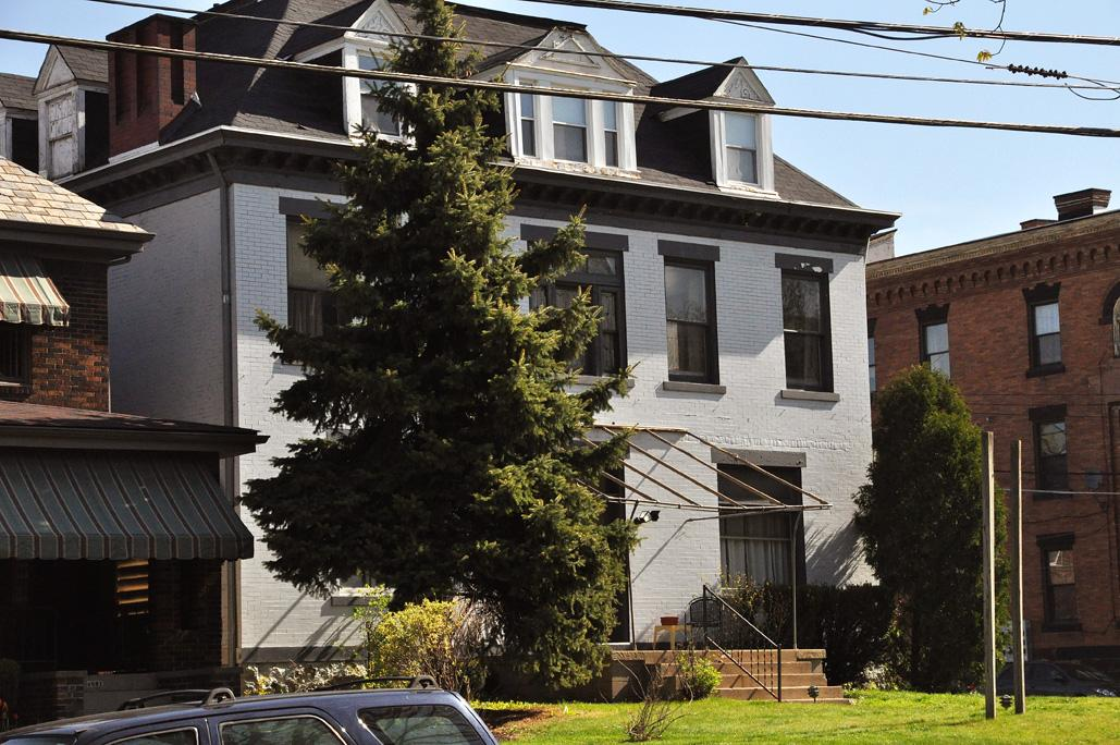 Pittsburgh 1 Bed 1 Bath For Rent Parking Available Apartments Mckees Rocks Pa Walk Score