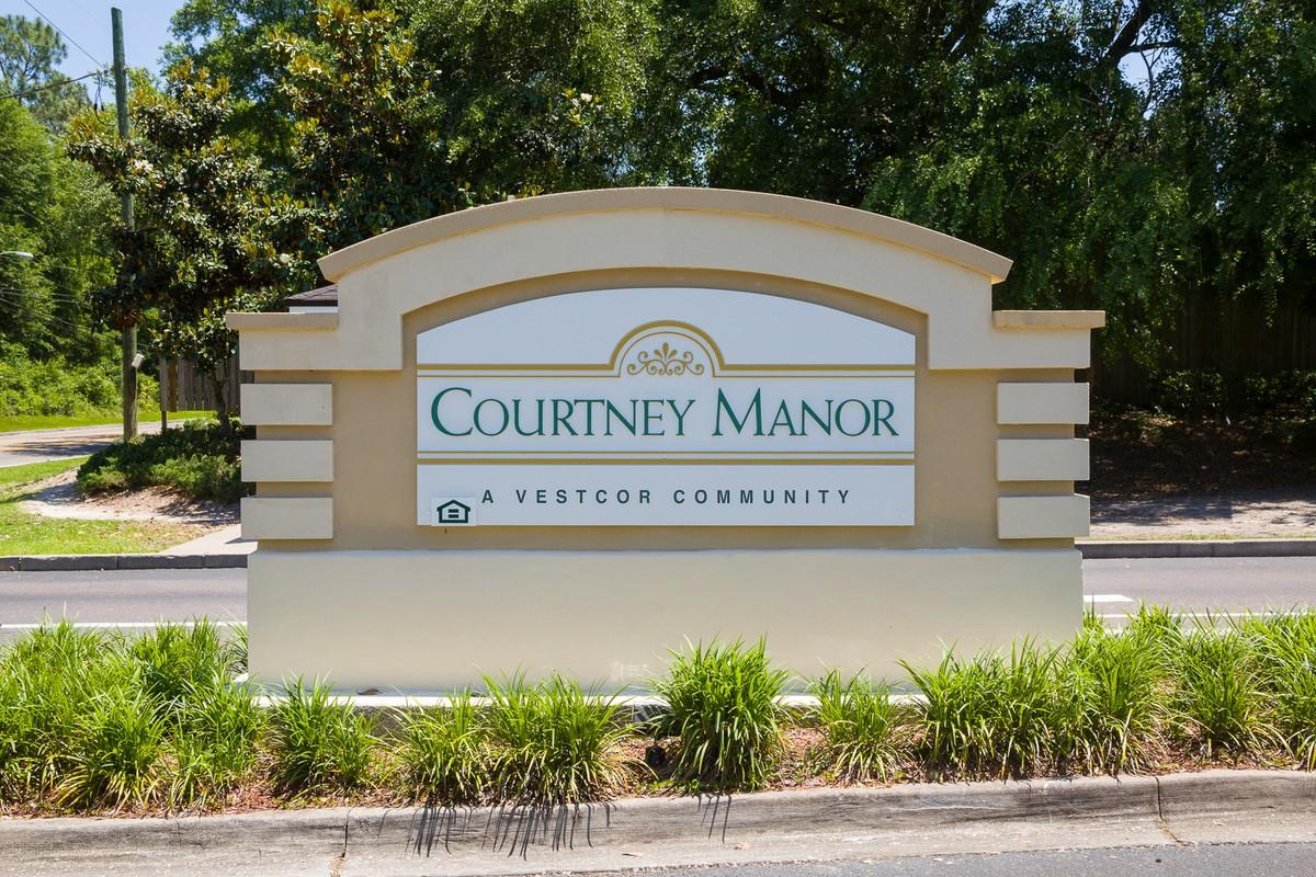 Courtney Manor Apartments photo #1
