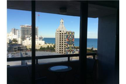 3200 Collins Ave photo #1