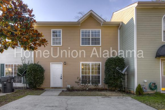 245 Willow Point Circle photo #1