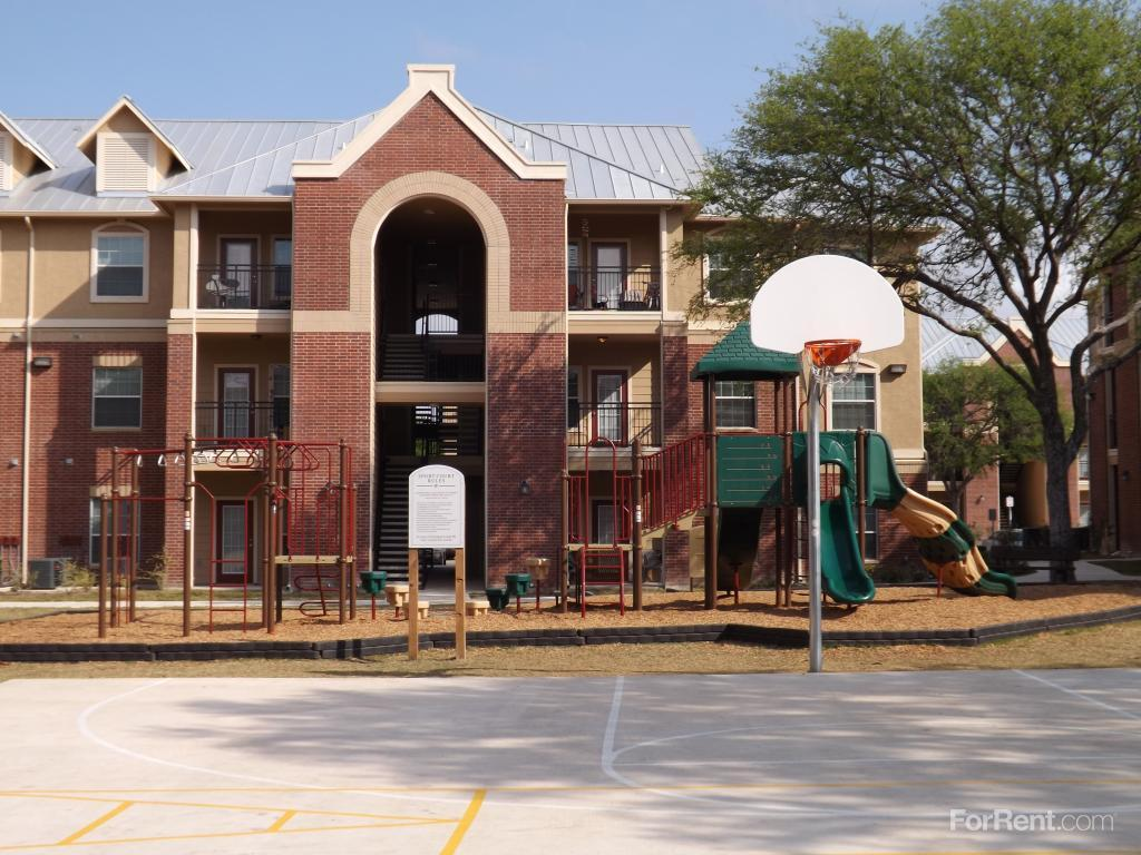 Woodlawn Ranch Apartment Homes Apartments San Antonio Tx