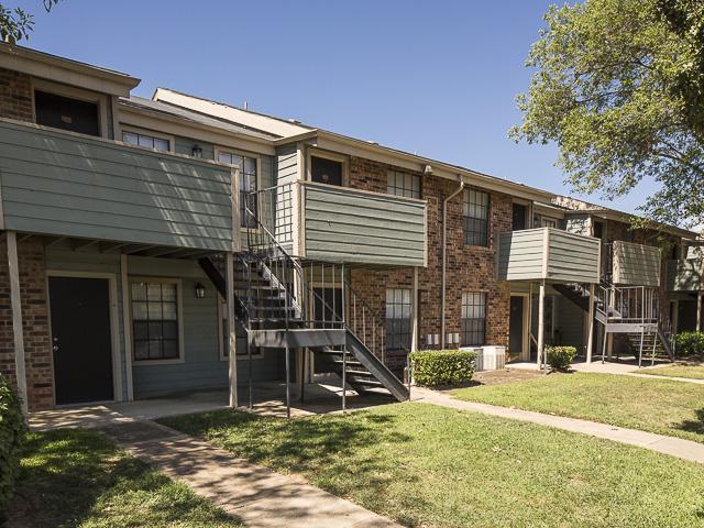 Landmark At Ridgewood Preserve Apartment Homes