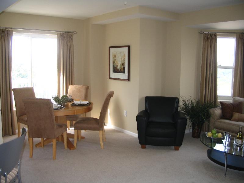 One Bedroom in Quincy photo #1