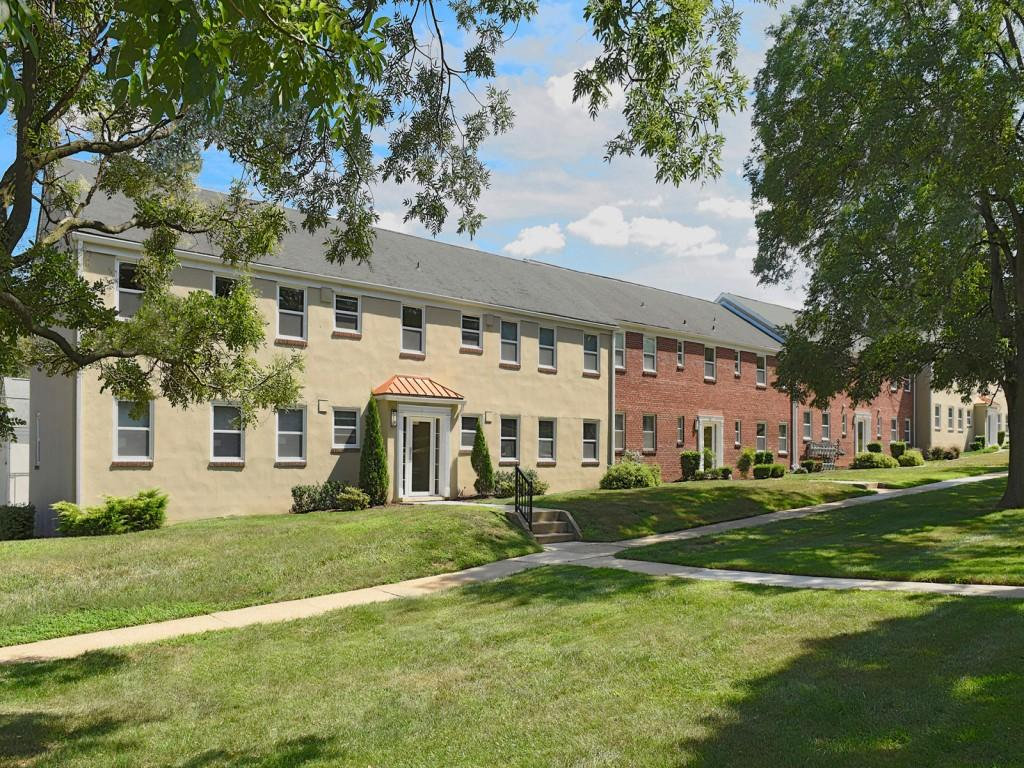 Mount Ridge Apartments photo #1