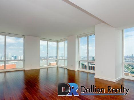 Apartment in Battery Park City photo #1