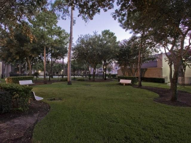 Central Park Regency Apartments photo #1