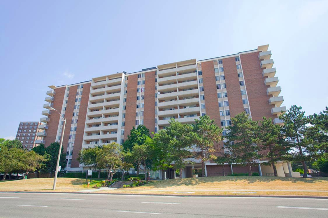 Deerford Road Apartments photo #1