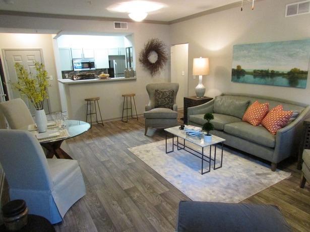 The Evergreens at Mahan Apartments Tallahassee FL Walk