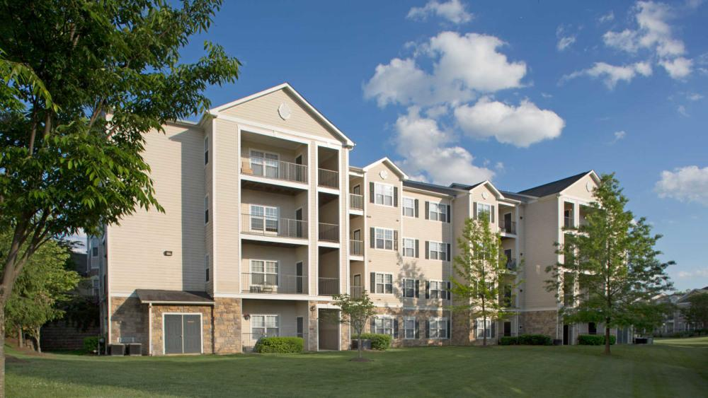 The Reserve at Fairfax Corner Apartments photo #1