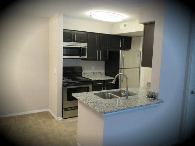 Lakes of Bellevue Apartments photo #1