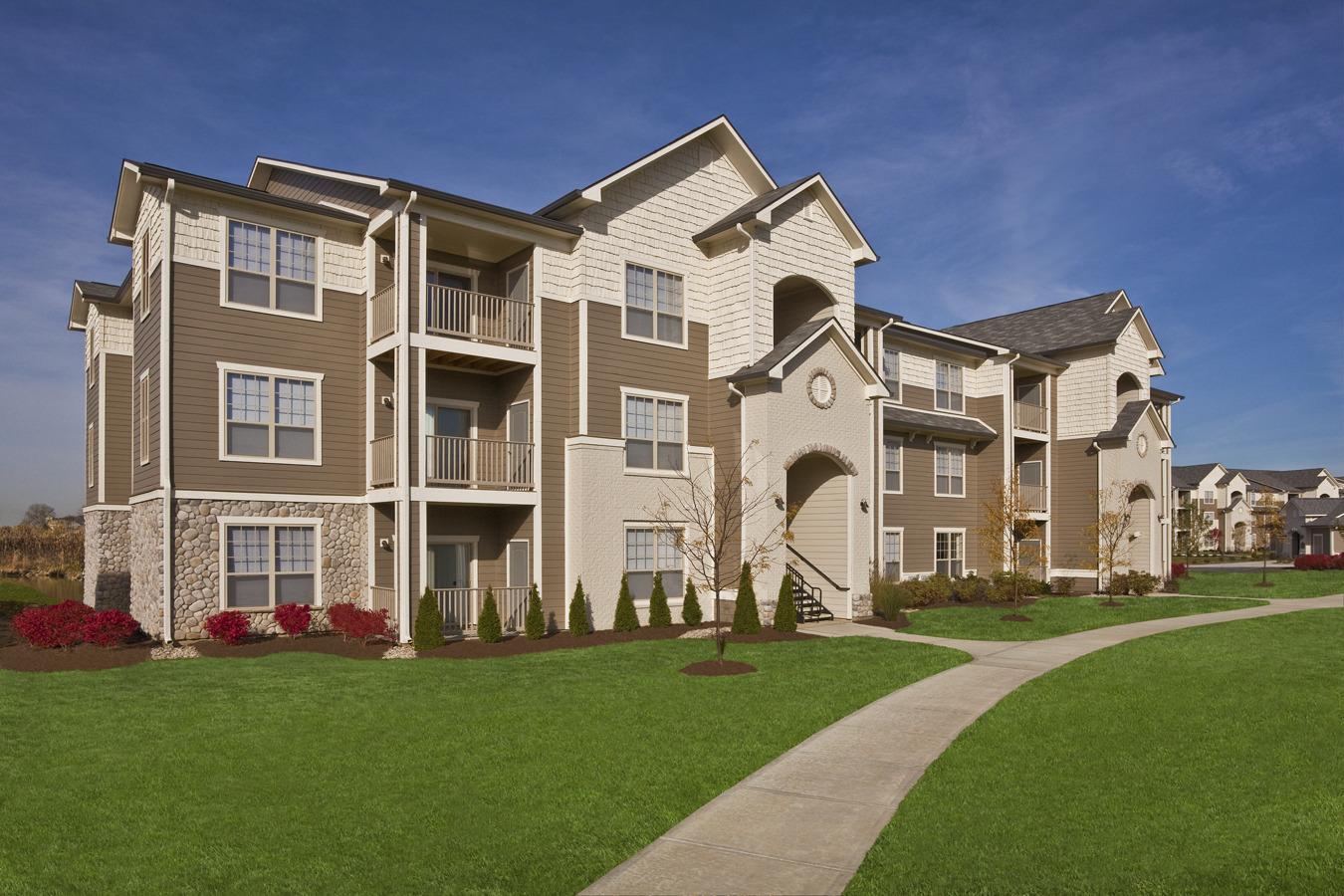 Prairie Lakes Apartments photo #1