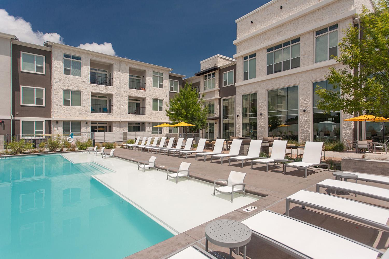 Lakeshore Pearl Apartments, Austin TX - Walk Score