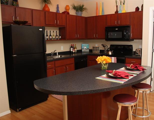 Uptown Lake Apartments photo #1