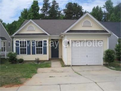 10425 Hugue Way photo #1