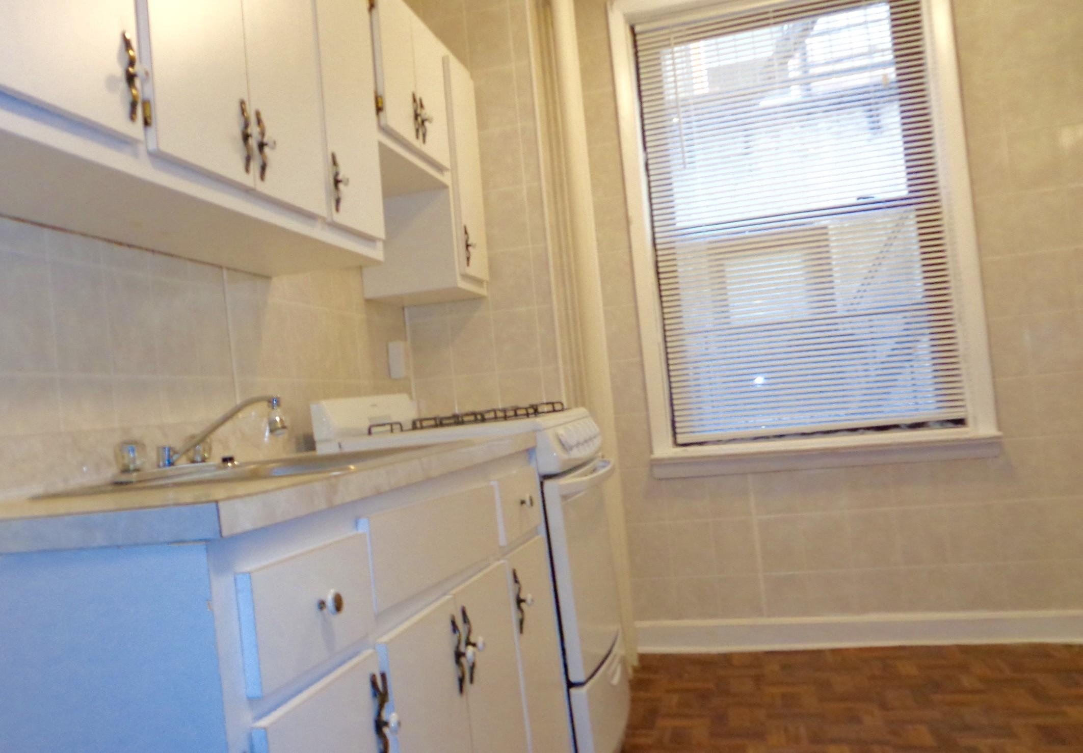 AVAILABLE Two BR wH/hardwood included - 29th NO BROKER FEE photo #1