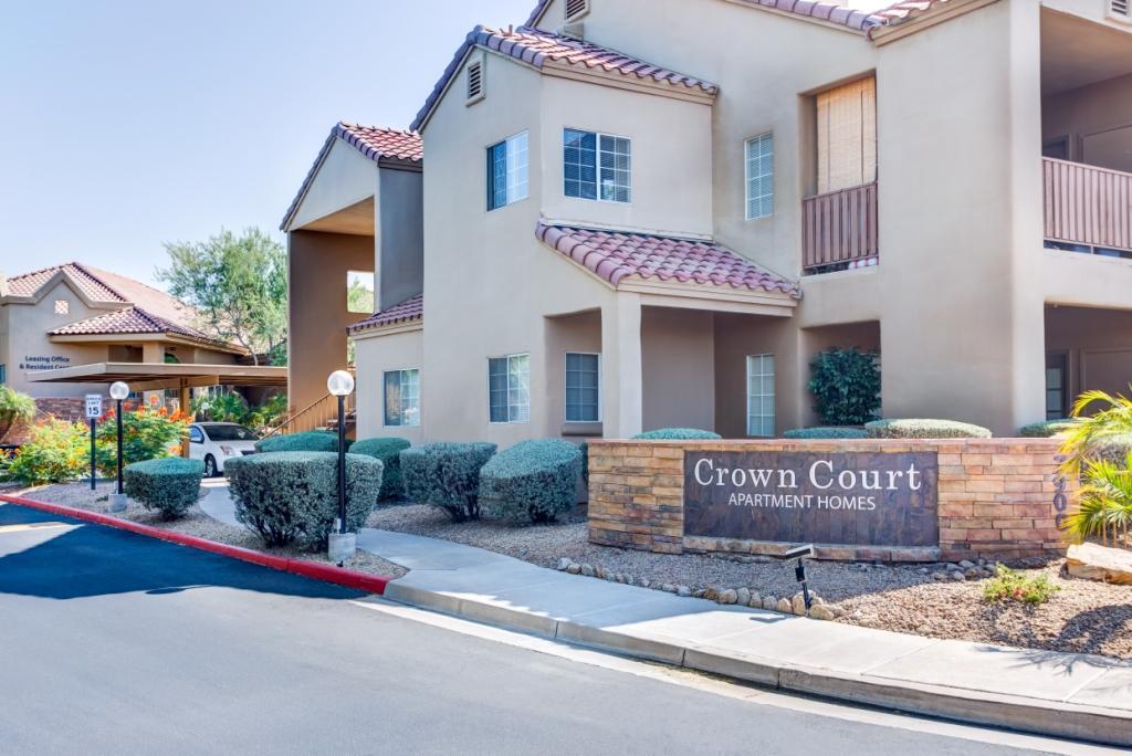 Crown Court Apartments photo #1