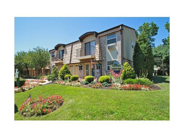 Chateau Ridge Apartments photo #1