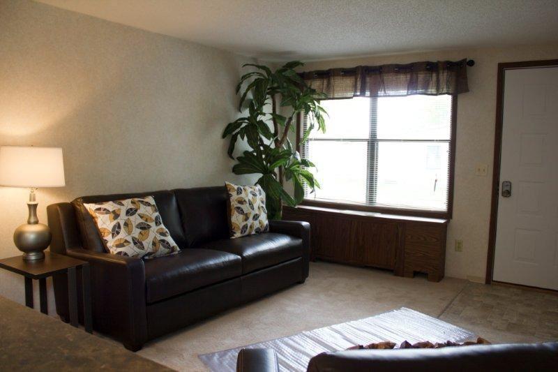 Suffolk Grove Apartments Photo #1