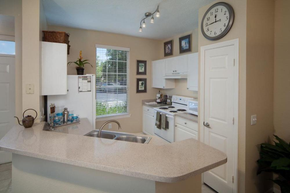 Knightsbridge at StoneyBrook Apartments, Alafaya FL - Walk ...