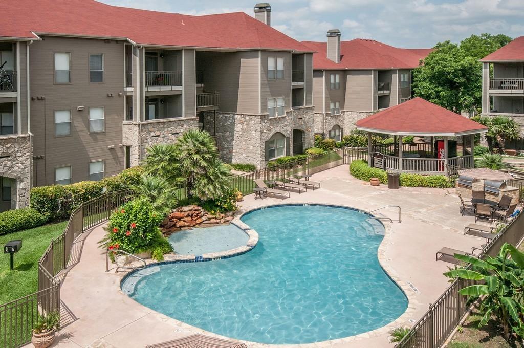 Rosemont at Olmos Park Apartments photo #1