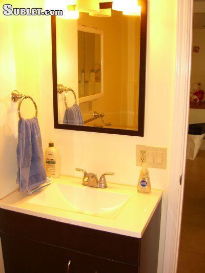 $2100 2 bedroom House in Honolulu