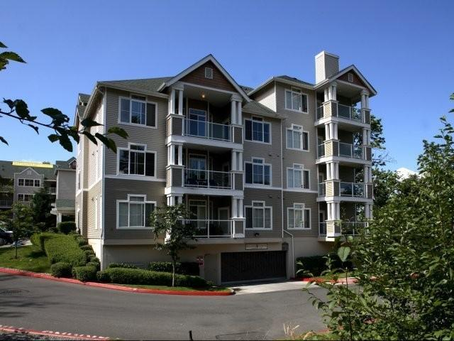 Pinnacle on Lake Washington Apartments photo #1