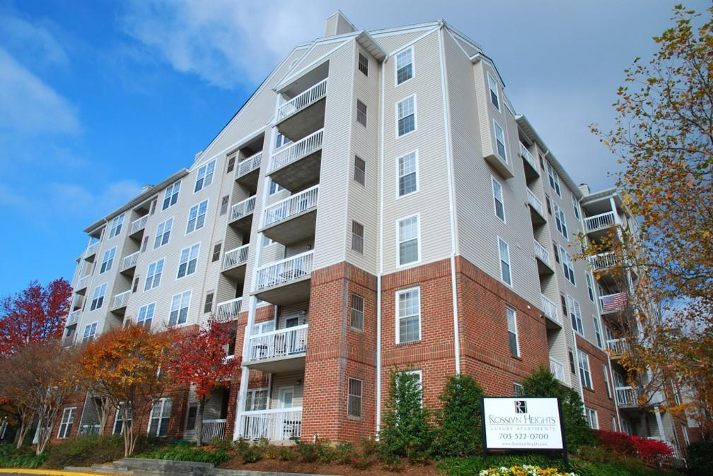 Rosslyn Heights Apartments photo #1