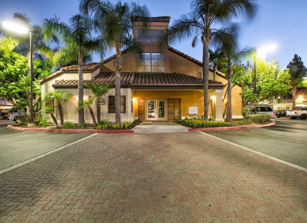 Parkside Court Apartments photo #1