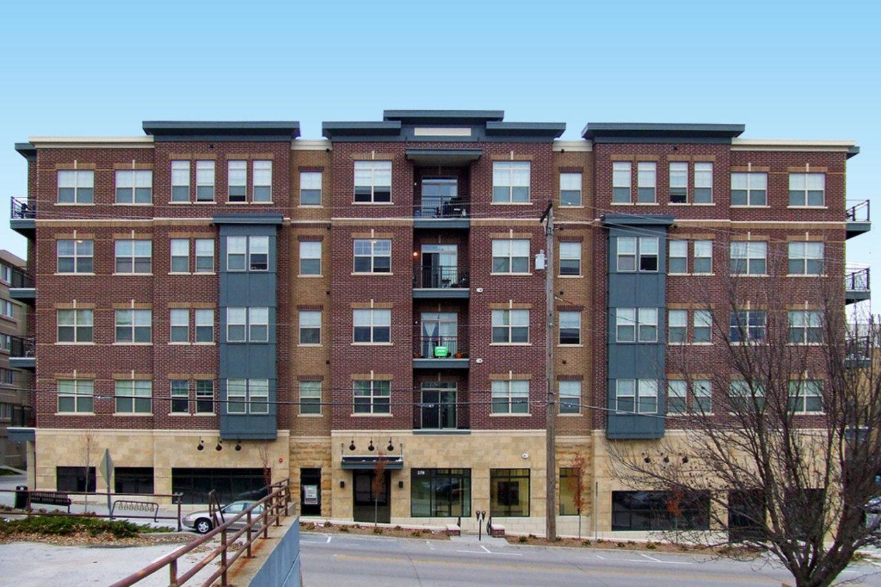 Three Br 278 E Court St Apartments Photo 1