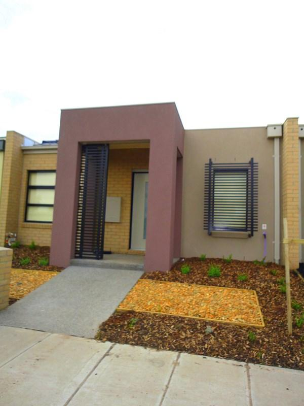 32 Gammage Boulevard photo #1