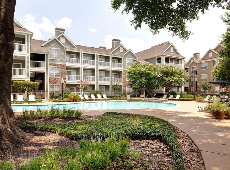 AMLI on Eldridge Parkway Apartments photo #1