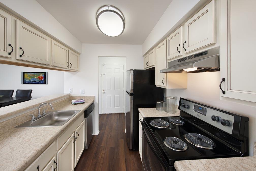 Potomac Vista Apartments photo #1