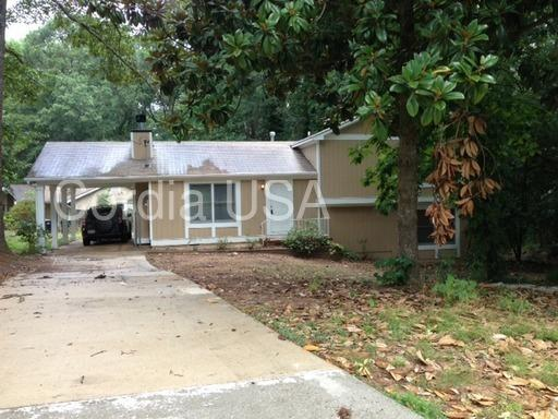 2892 Woodfield Drive photo #1
