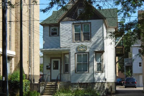 447 W. Washington Ave photo #1